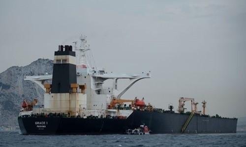 Mỹ hụt hơi rượt đuổi siêu tàu dầu Iran